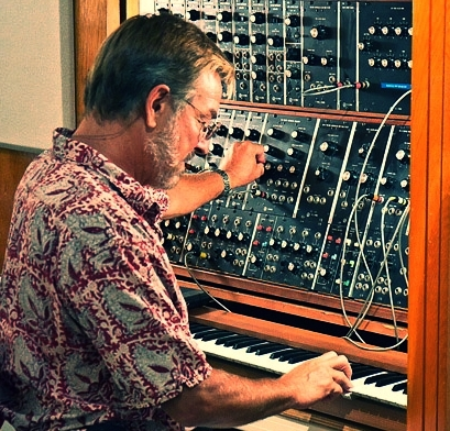 edd-kalehoff-at-the-moog-for-the-new-price-is-right-music-theme.jpg