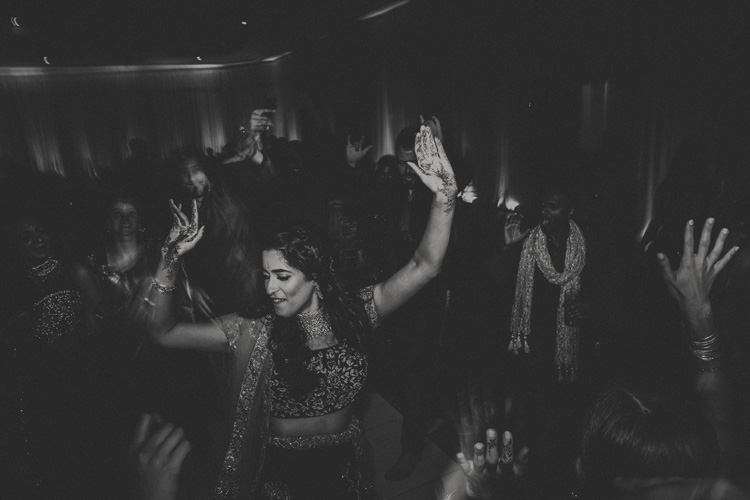 arabian bride dancing at southampton wedding reception