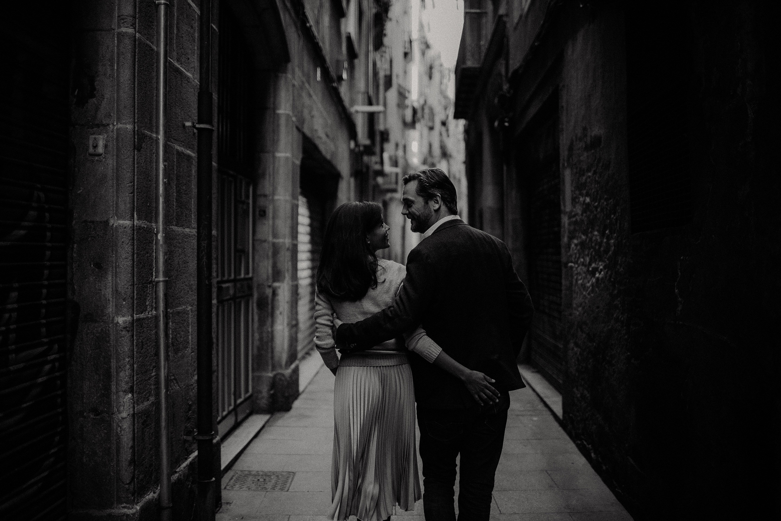 engagement photo locations in Barcelona