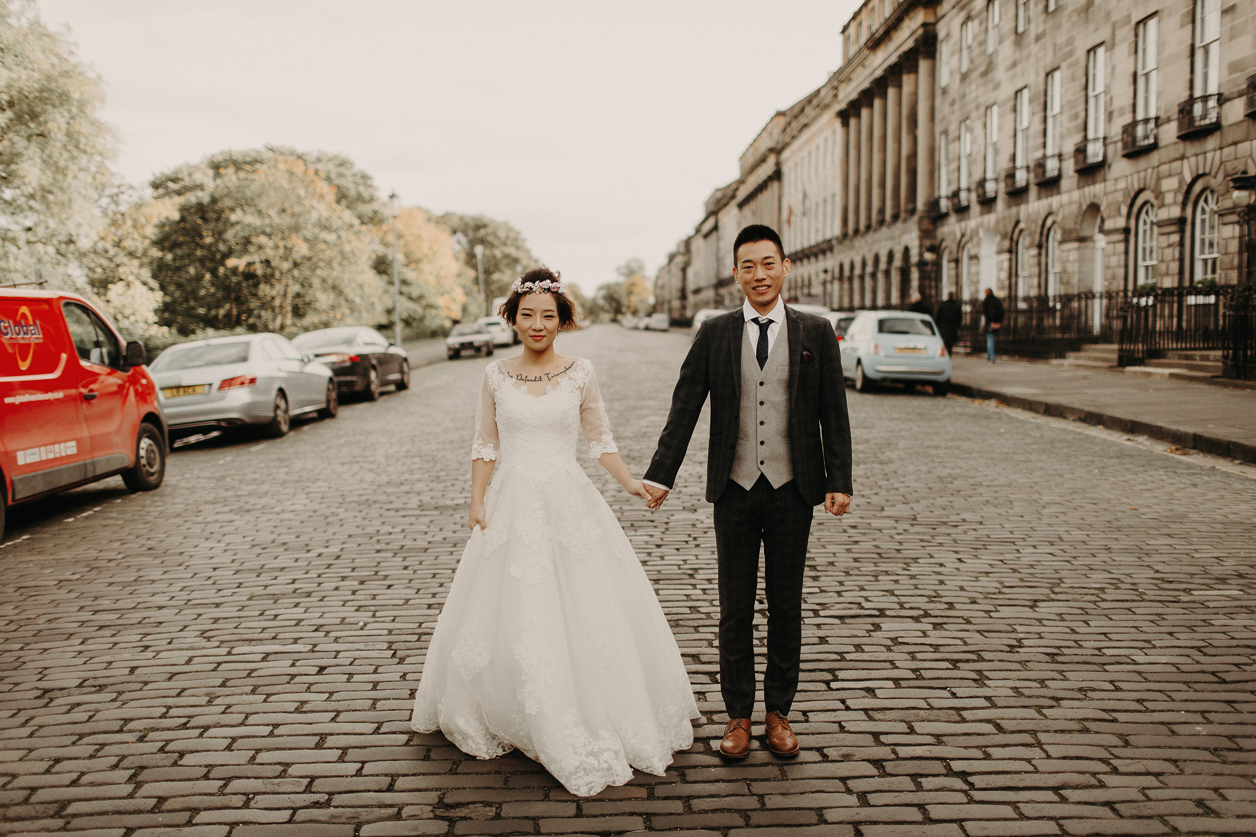popular wedding photographers in edinburgh