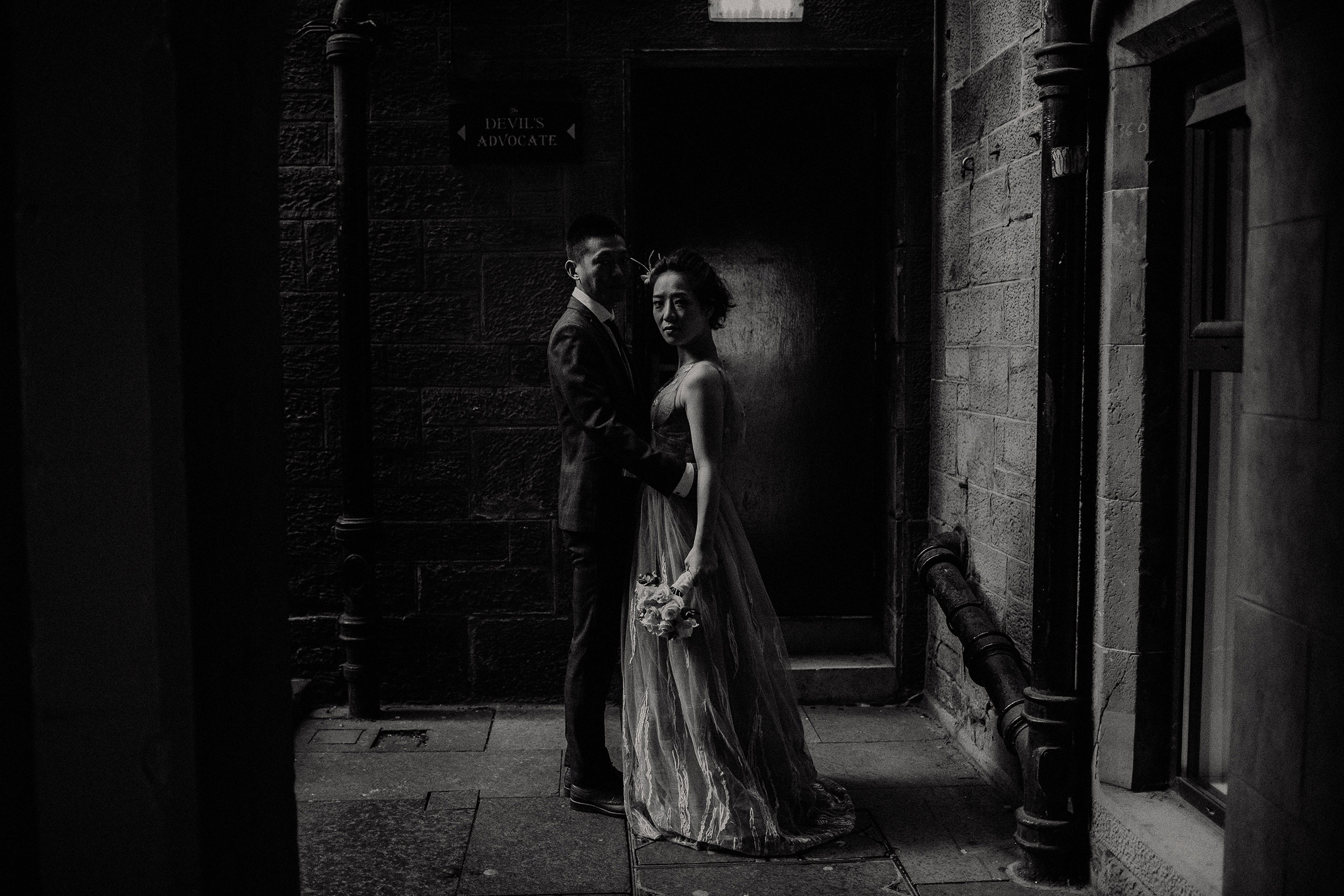 alternative elopement photographer in edinburgh