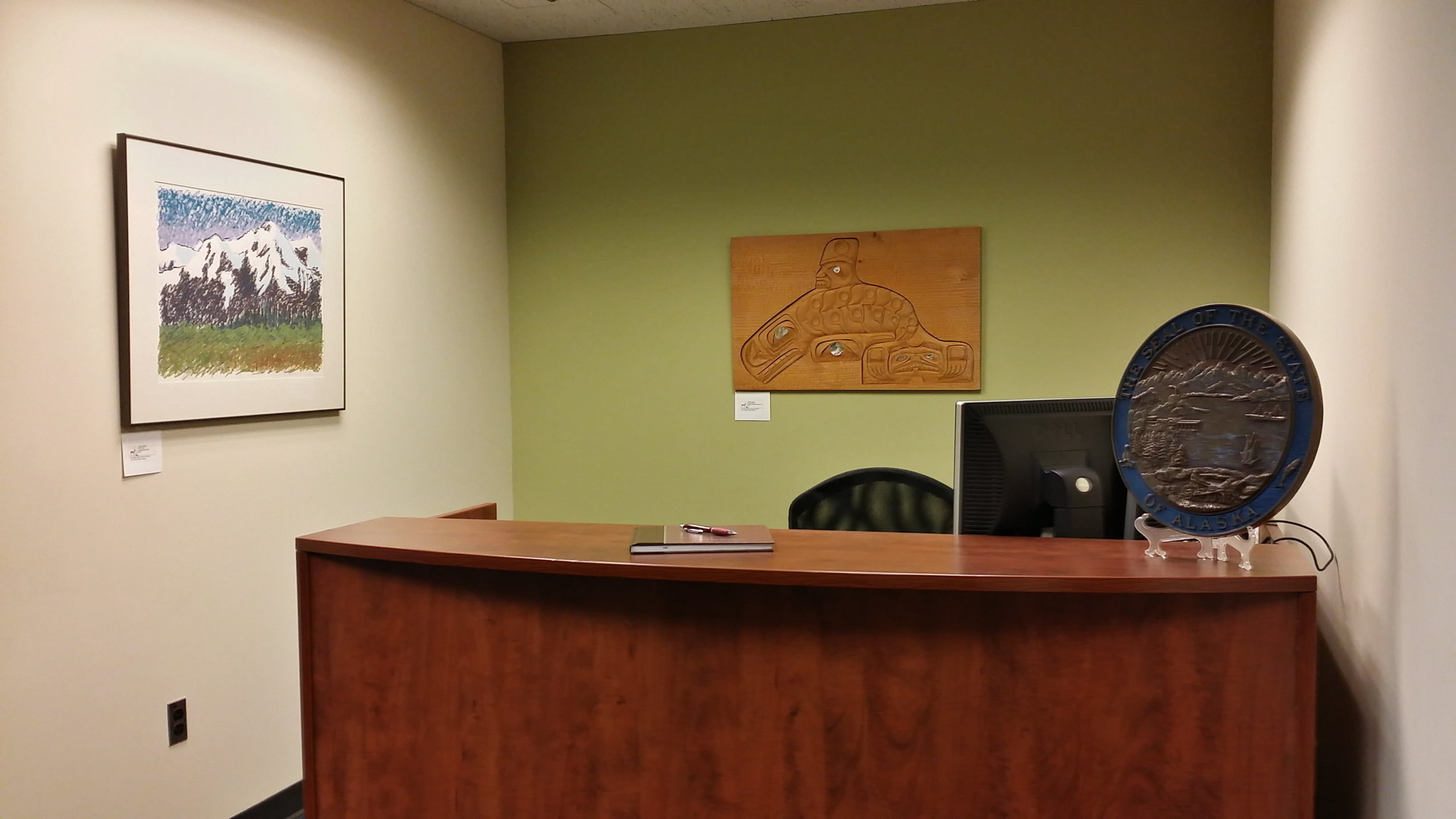 5rsz_reception_desk.jpg