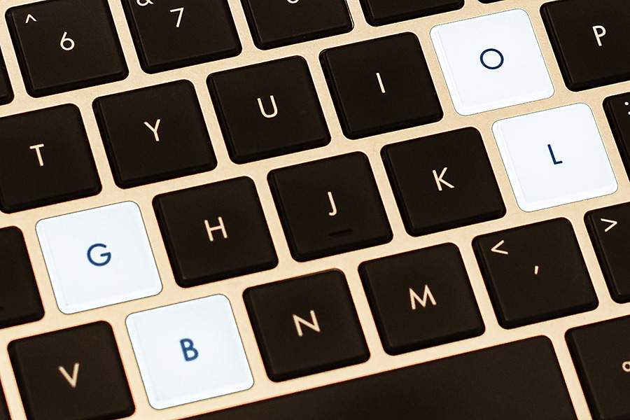 keyboard with blog letters highlighted