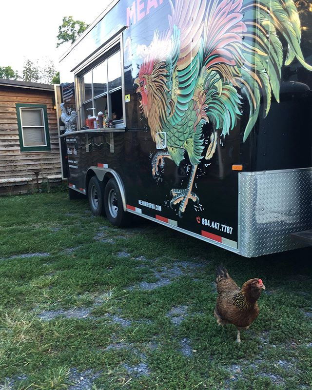 From last weekend at the beautiful @khimairafarm in Luray 🙌 Have another truck filled weekend coming up ⚡️⚡️⚡️We'll be out at @hallsley this evening (Fri) for their Christmas in July event and at @vasenbrewing tomorrow (Sat) for their 2nd anniversary bash❤️✨ Have some fun specials in the works! Shop open 4:00-10:30 tonight (Friday) & closed tomorrow (Saturday). Happy Friday!