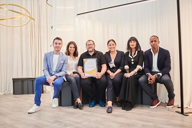 """Decorex International Awards 2018  This year I had the honour of joining Sue Timney and John Allsopp as a Decorex Awards Judge.  We had the pleasure of presenting the award for """"Best New Product"""" to @le_deun_luminaires for their echo light.  # @suetimney @johnallsoppstudio @decorex_international"""