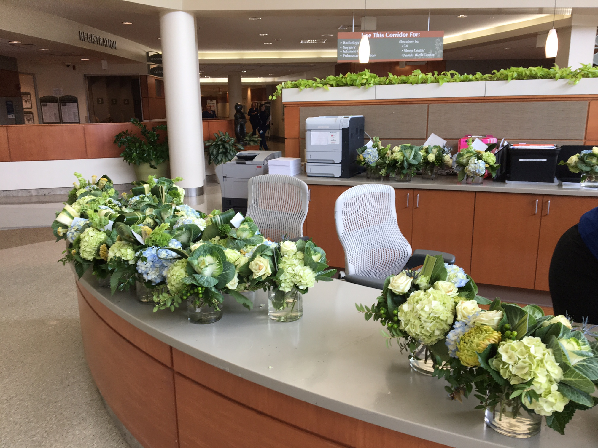 Event centerpieces from a large business meeting + dinner were refreshed, then delivered to a local hospital for patients to enjoy.