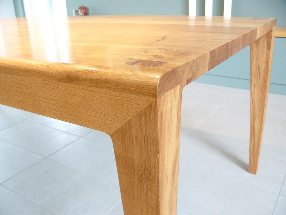 smith_table_detail_.jpg