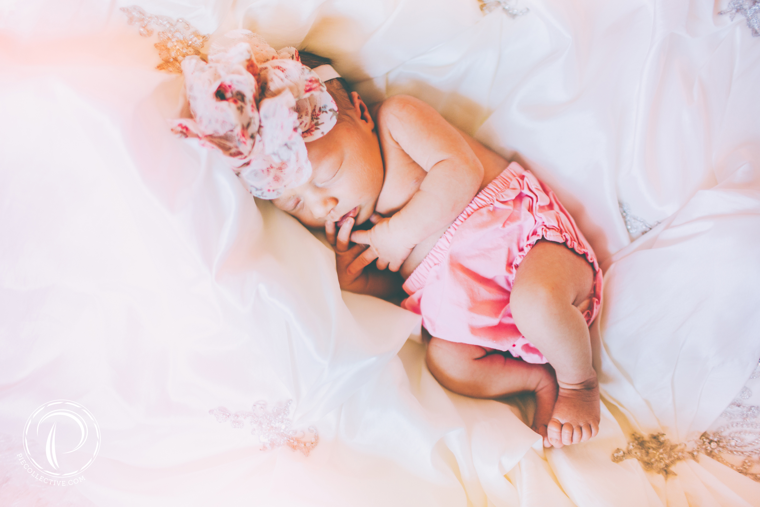 So peacefully laying on her mama's wedding dress... / Canon 5D Mark III + 35mm f/1.4L + VSCO Film