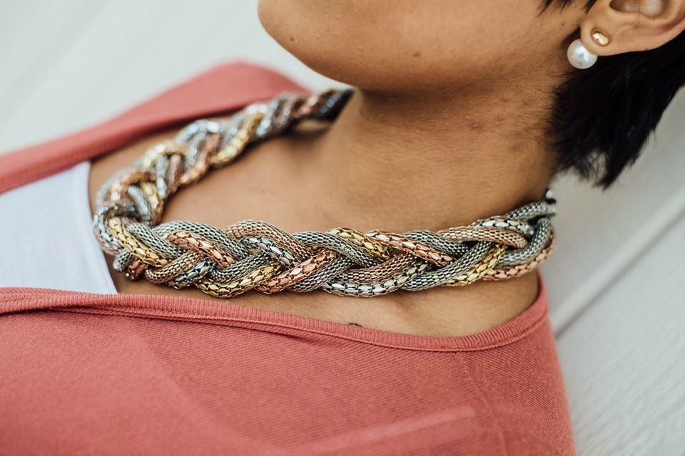 Necklace: H&M