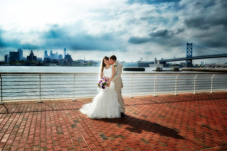 Camden Aquarium riverfront / Meyer Photography