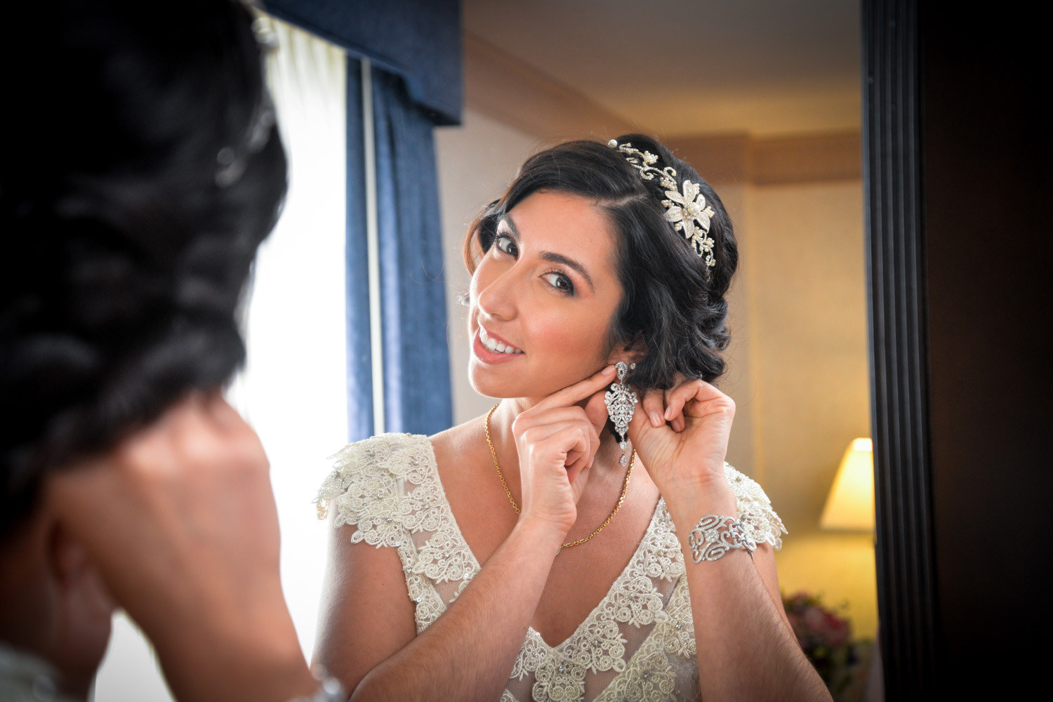 bride getting ready / Meyer Photography
