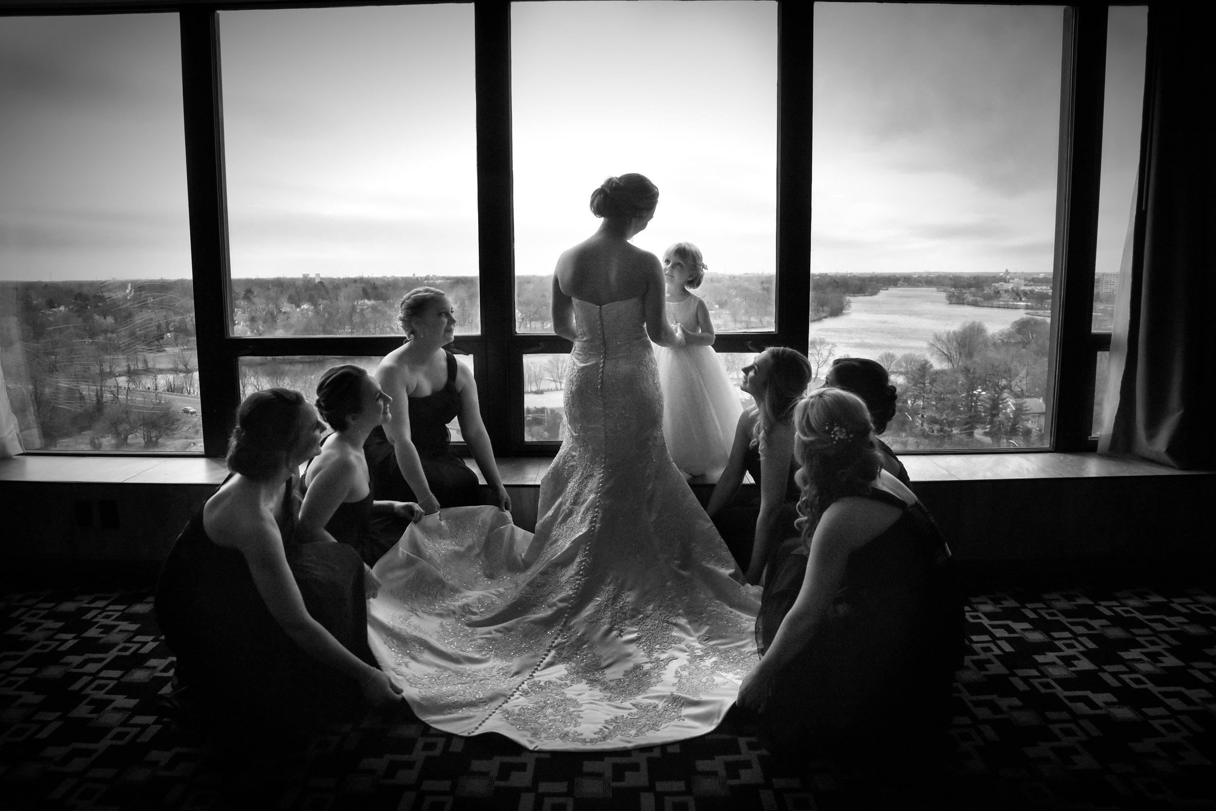 Bride getting ready in Hotel