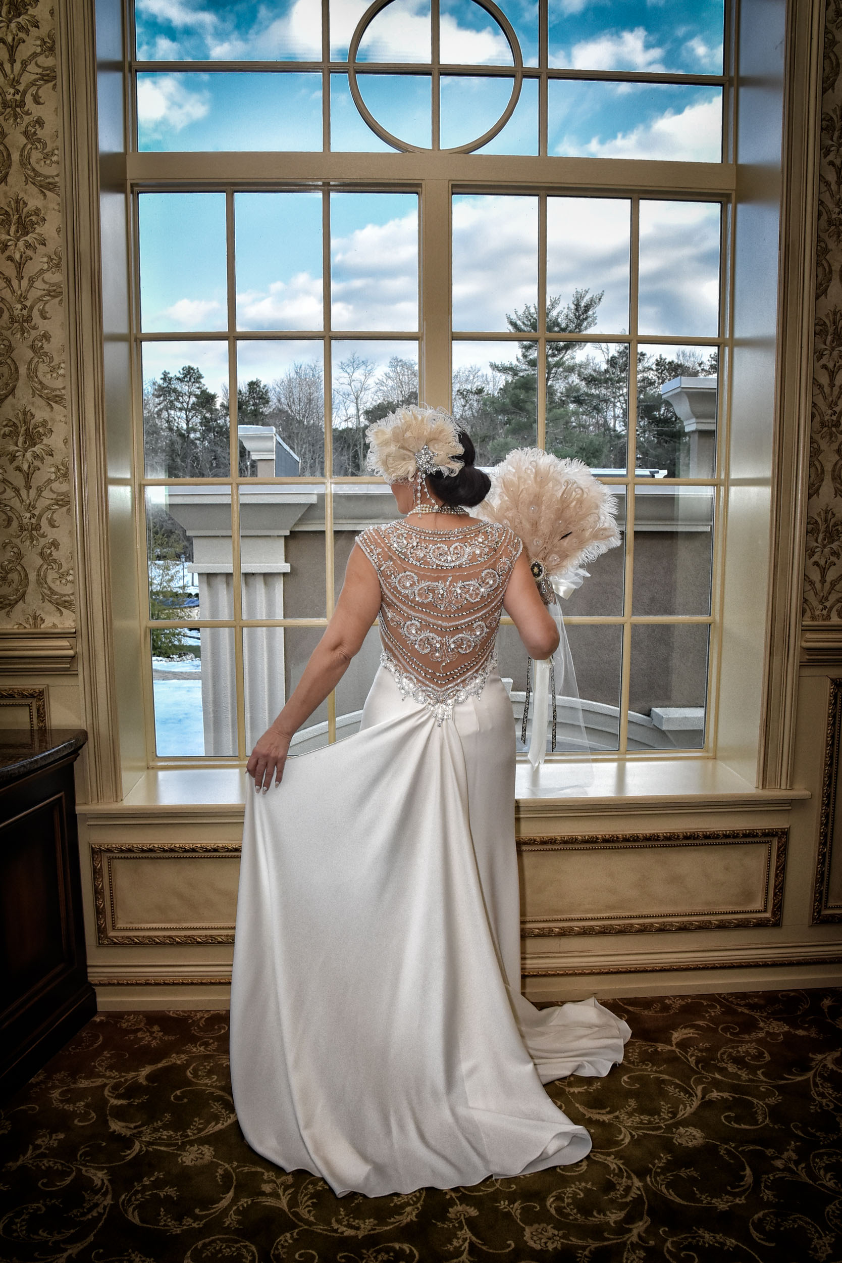 Back of bride's gown Brigalias