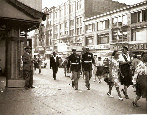 worldoftomorrow :      Harlem Street, June 1943