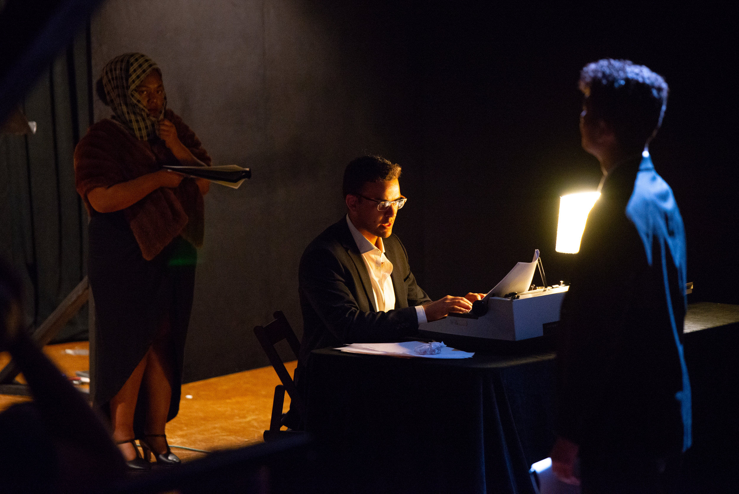 TM19_TheaterHappensInTheDark_performance-15.jpg