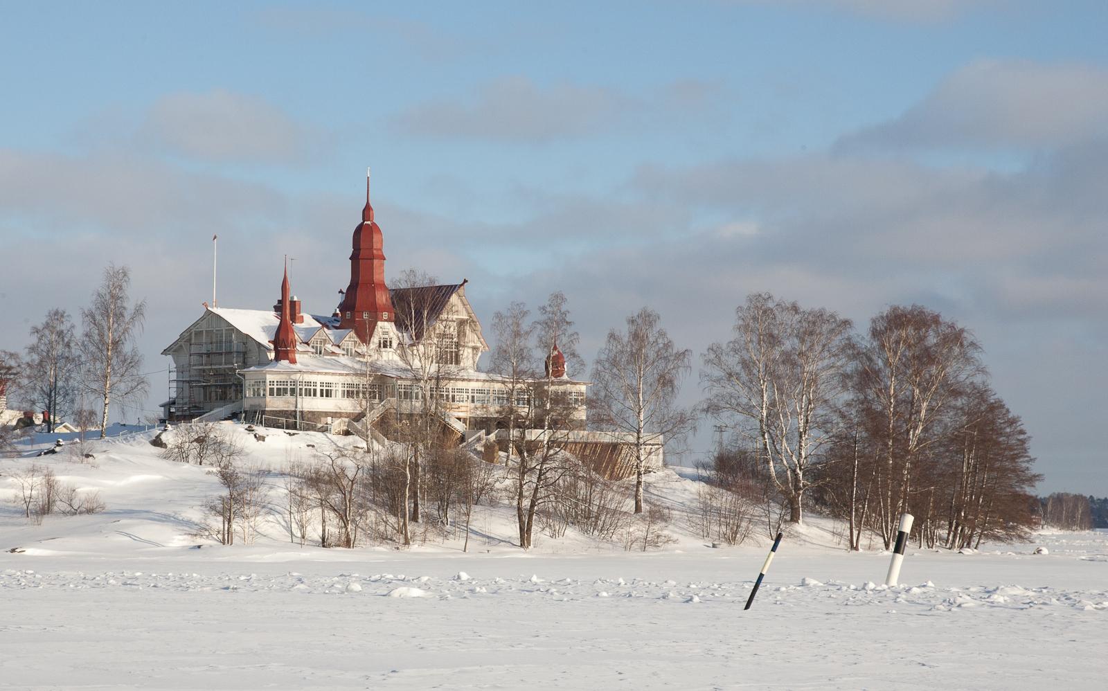 Helsinki Yacht Club in Winter