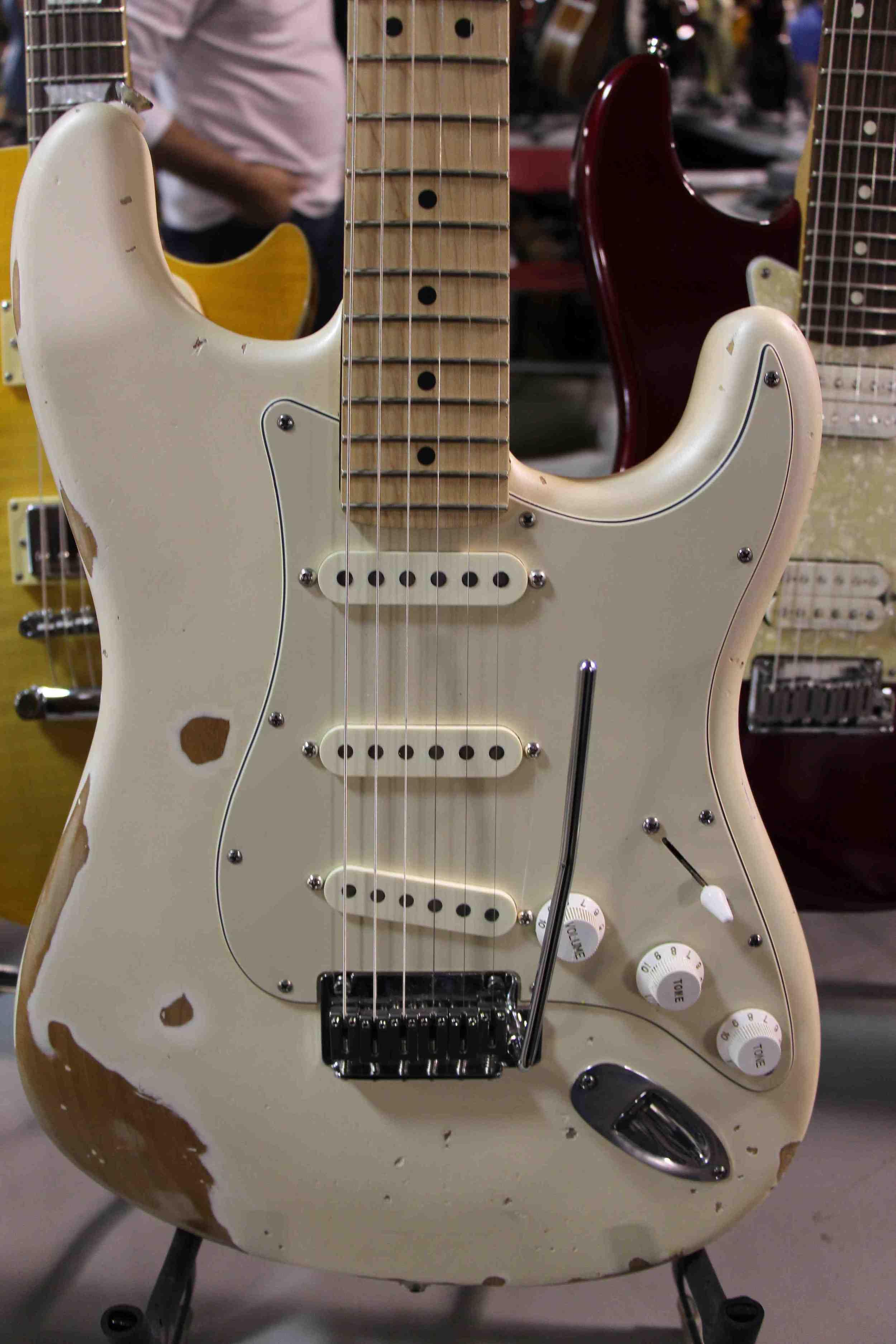 Olympic White Fender Stratocaster.jpg