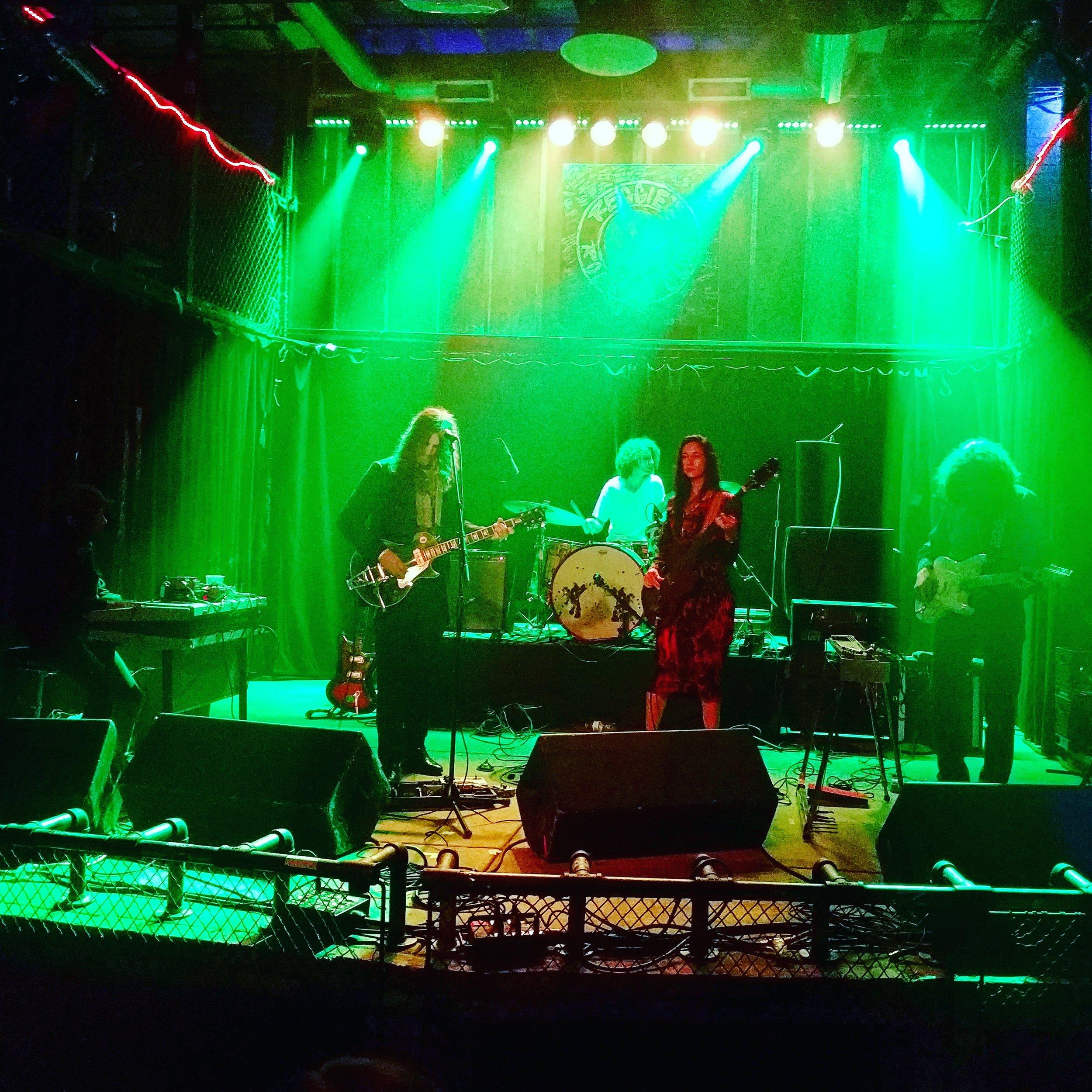 psychic ills | reggie's rock club, chicago | 9.23.16 | @thefaakehipster