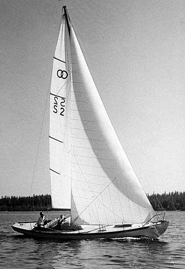 ....Bothnia Cruiser HEXE III, built in Lundmark yard in 1949. Photo: Kulturarv Västerbotten..Bottenhavskryssare HEXE III, rakennettu Lundmarkin veistämöllä 1949. Kuva: Kulturarv Västerbotten....