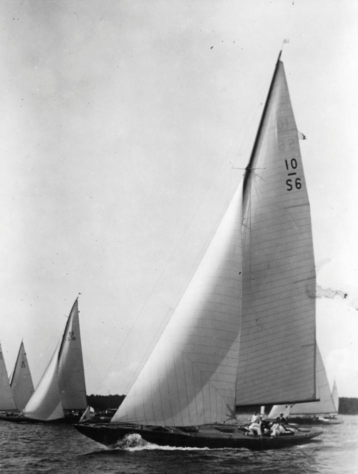 ....WESTA II, 10 mR yacht by Gustaf Estlander, built in 1930 by Stockholms Båtbyggeri. ..WESTA II, 10 mR -vene, Gustaf Estlander, rakennettu 1930 Stockholms Båtbyggeri-veistämöllä.....
