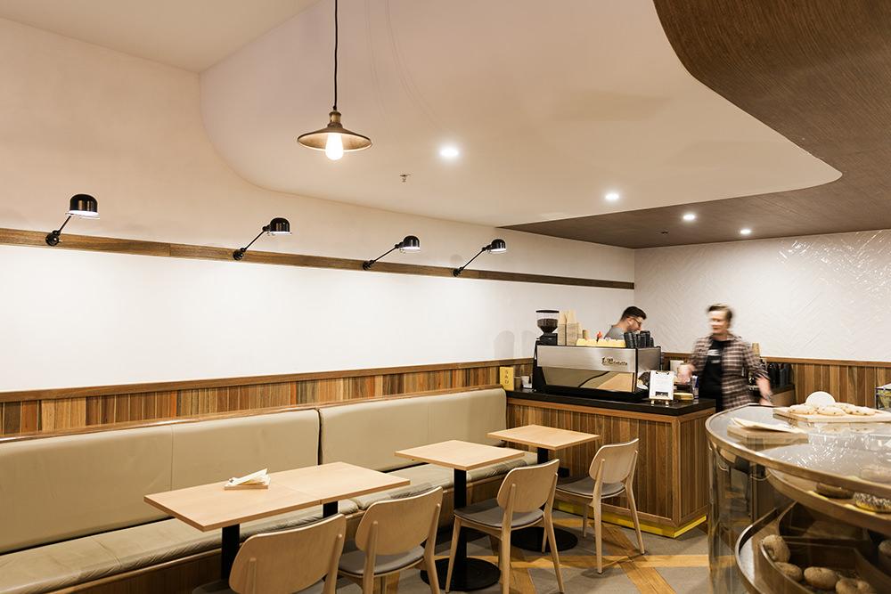 5 & Dime Bagel's Cafe