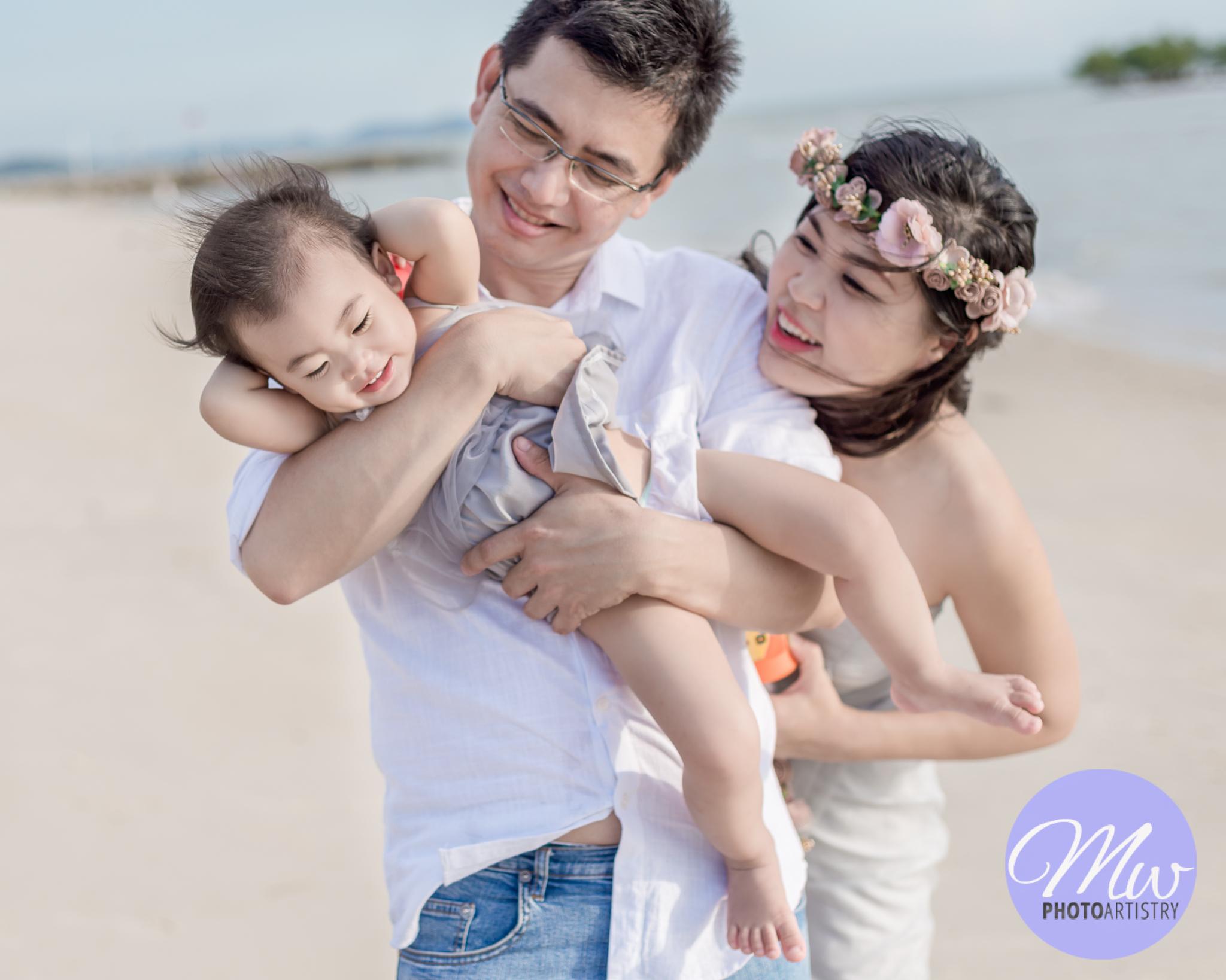 Kuala Lumpur Kuching Malaysia Lifestyle Family Photographer Beach Photo 42.jpg