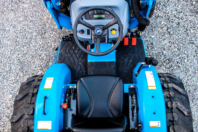 LS+Tractor+XJ3032+5.jpg