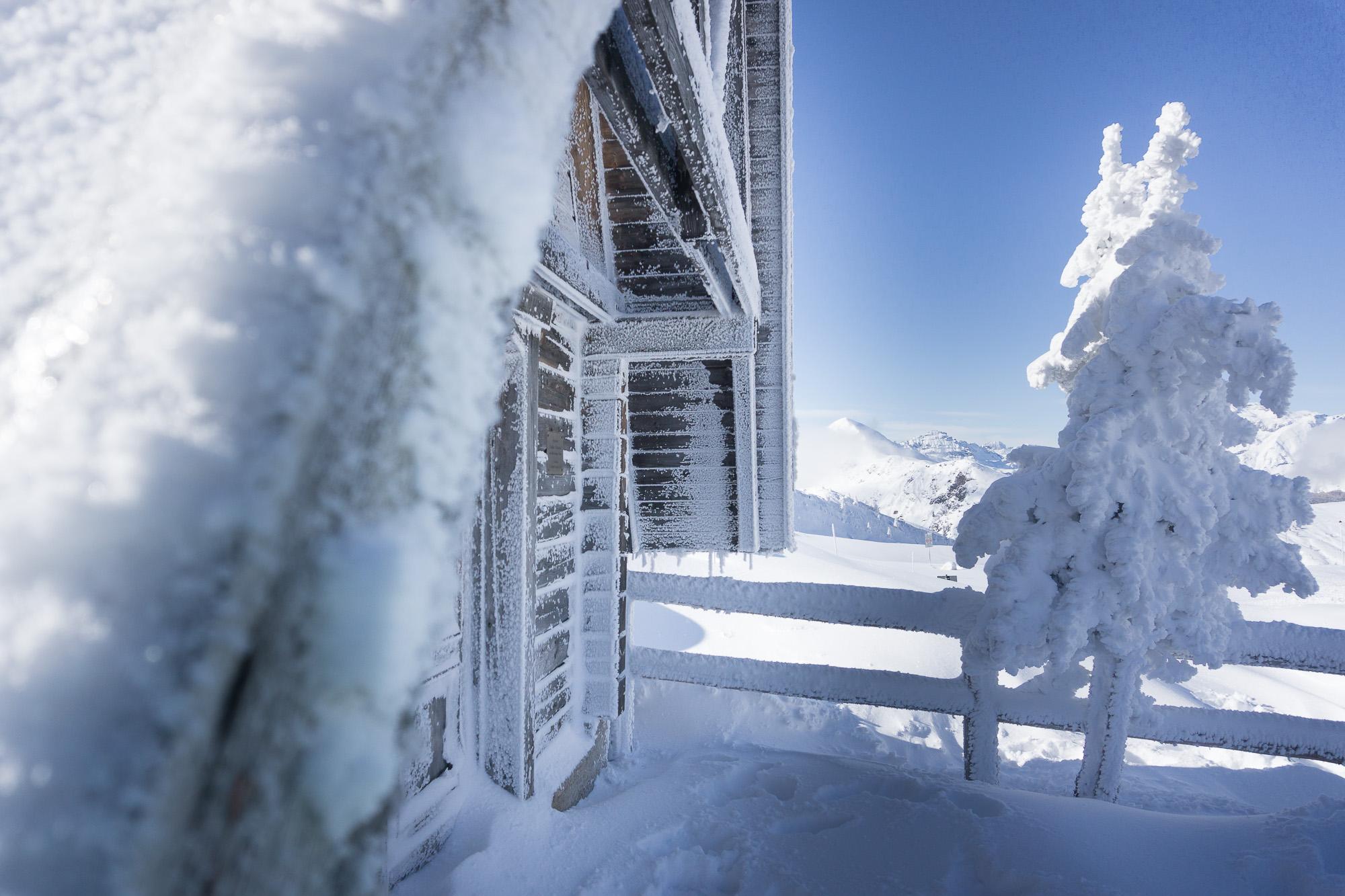 L'abbraccio della prima neve a Passo Giau _ Photo ©ROMINAVENIER