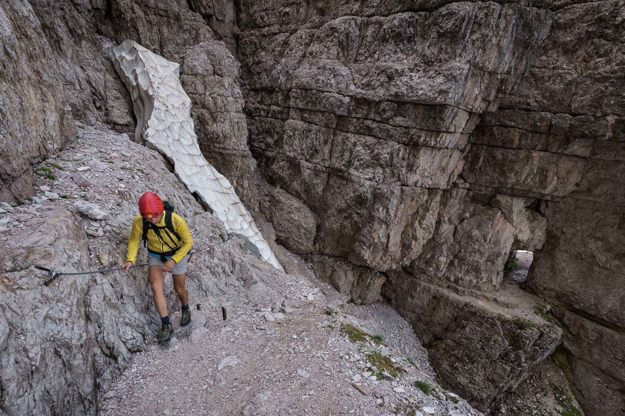 Lungo il sentiero attrezzato delle gallerie del Monte Paterno _ PHOTO  © GIUSEPPE GHEDINA