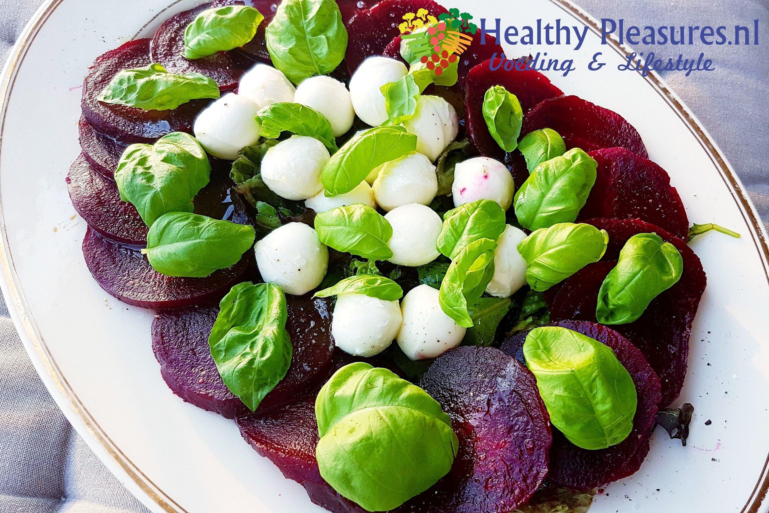 rode biet mozzarella basilicum voorgerecht avondeten.jpg