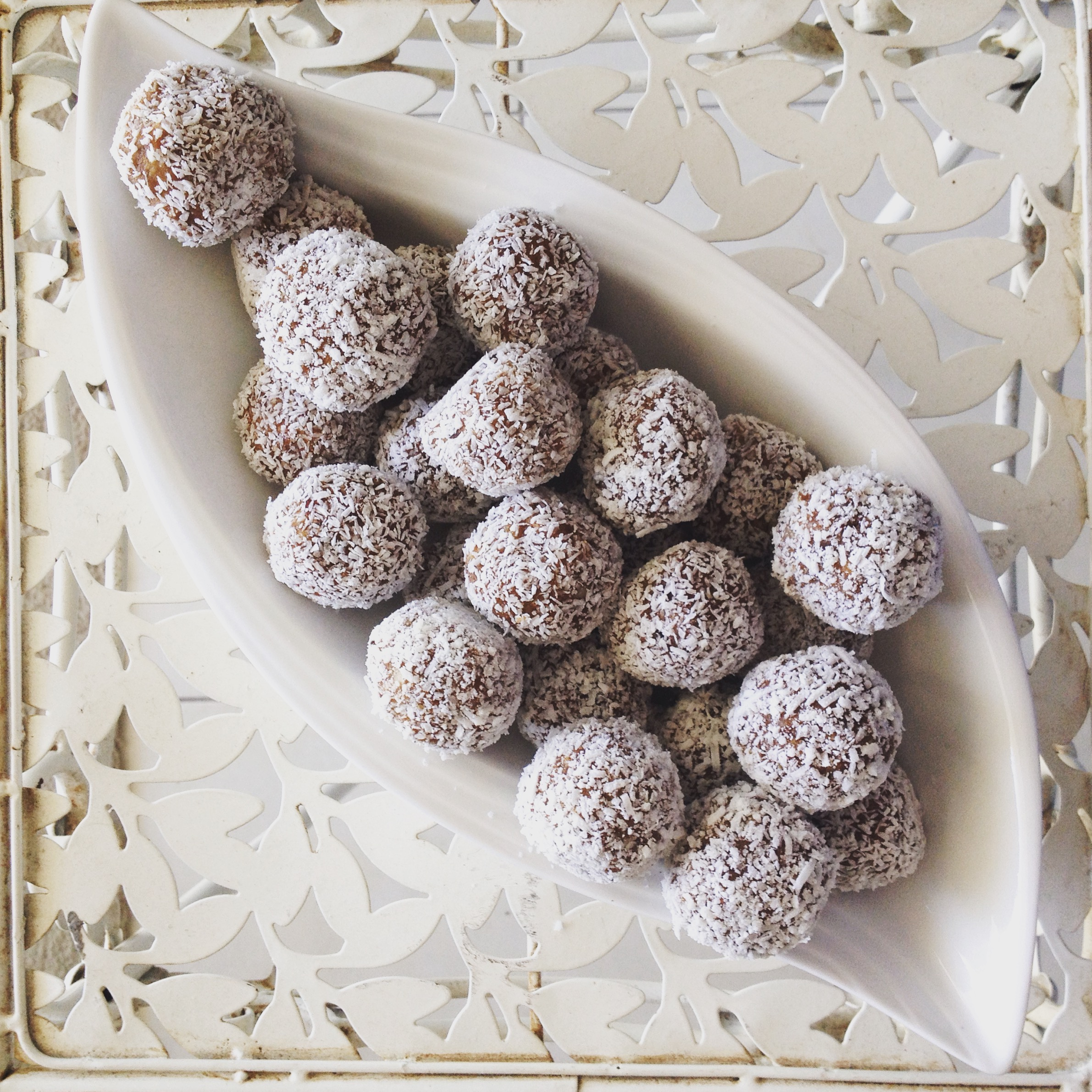Unleash-Fit-Living-Choc-Mint-Bliss-Balls.jpg