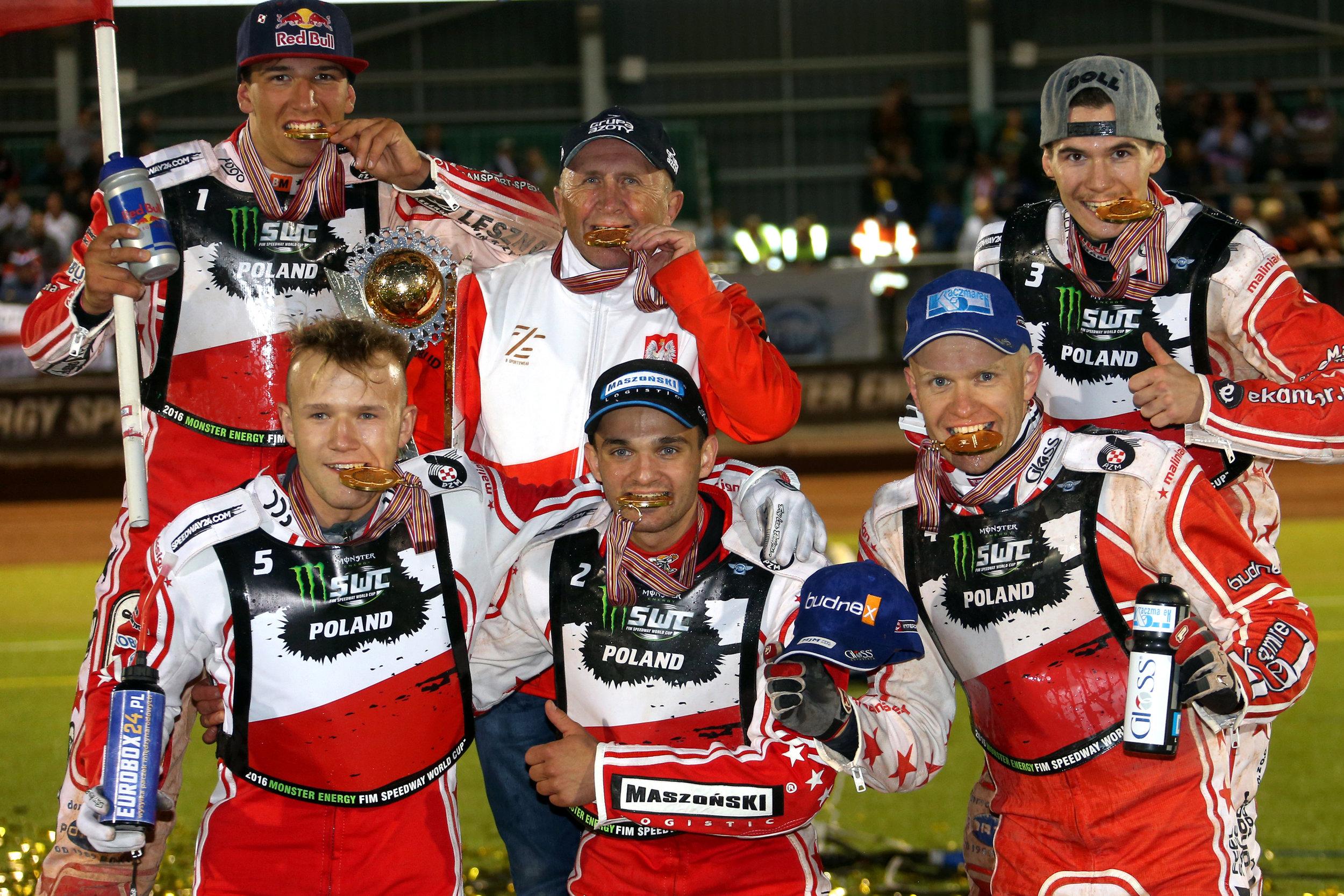polska5396(c)SpeedwayGP.jpg
