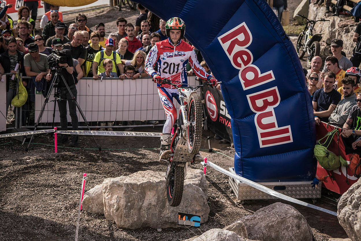 web-TrialGP_r8_1327_ps.jpg