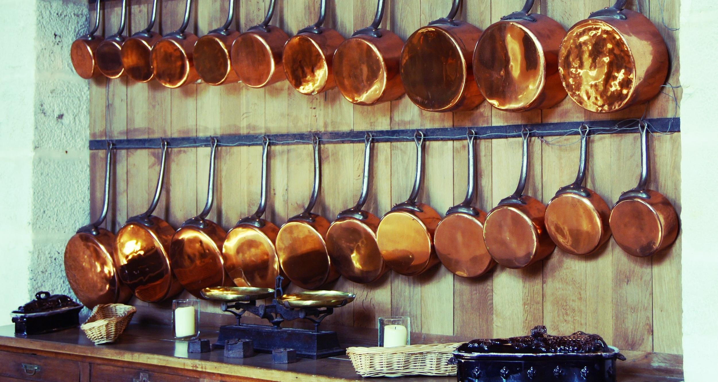 retro-vintage-kitchenware-ceramics.jpg
