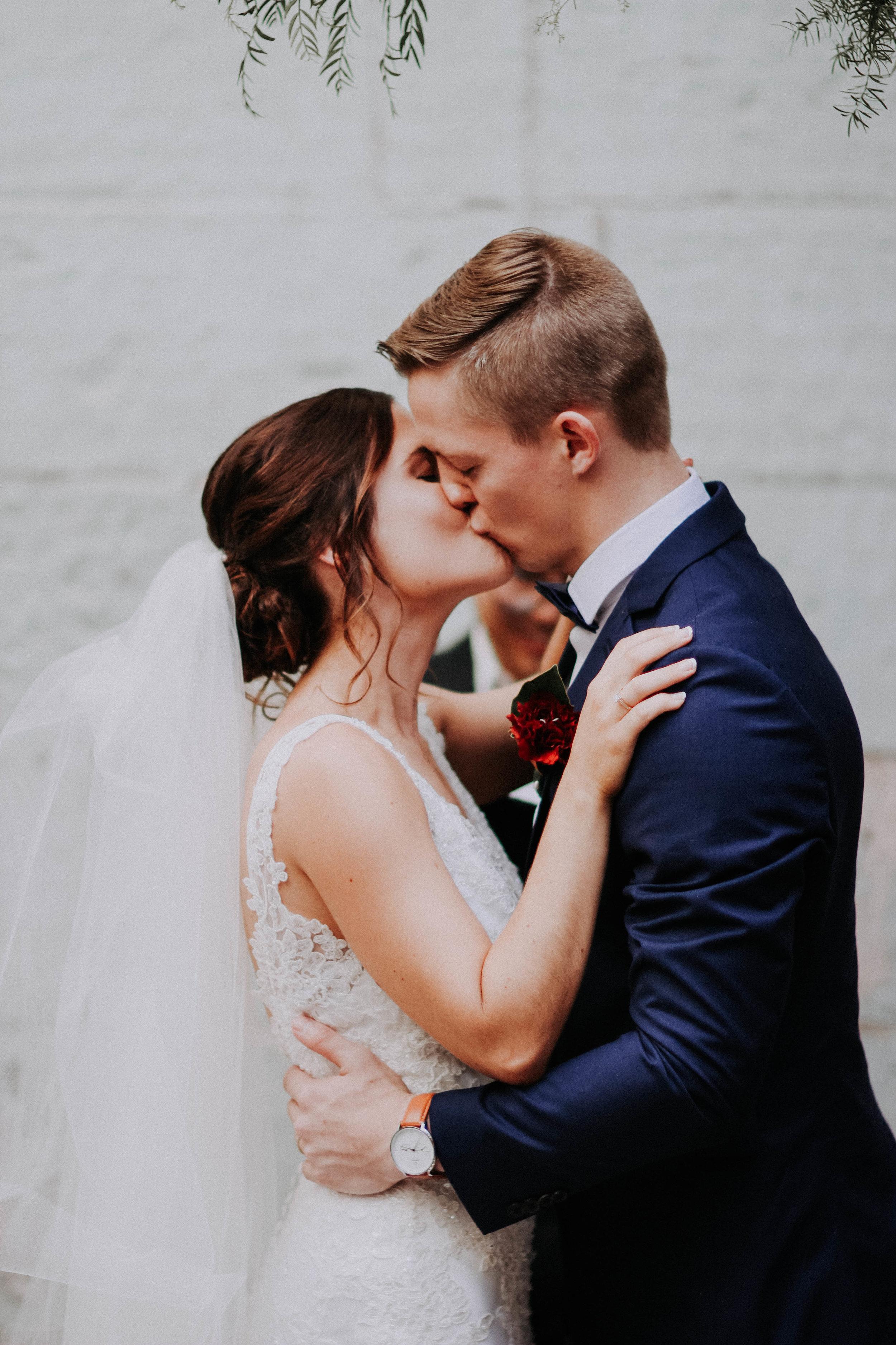 Jess + Aaron Knight - Wedding Photos Finals-253.jpg