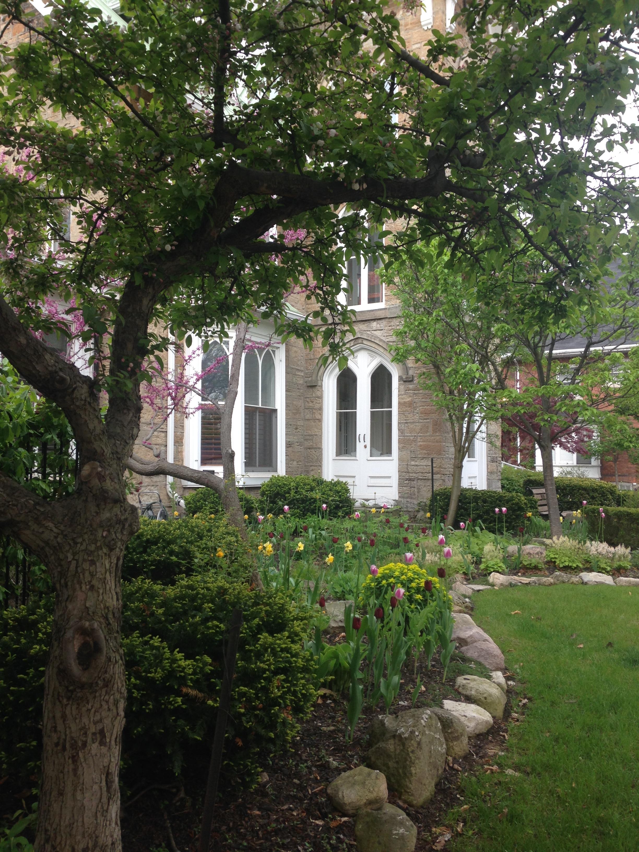 Emmanuel House, Hamilton, Ontario
