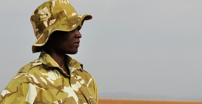 Neue Tarnuniform: Ranger in Kenia |  © Foto by Gian Schachenmann