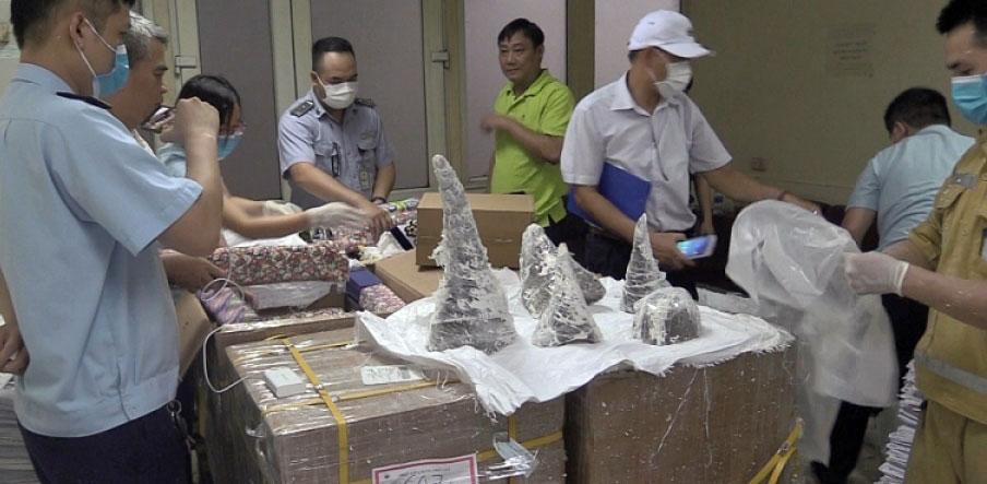 Beschlagnahmt: In Gips versteckte Nasenhörner am Airport von Hanoi |  ©   Foto by Zoll, customsnews.vn