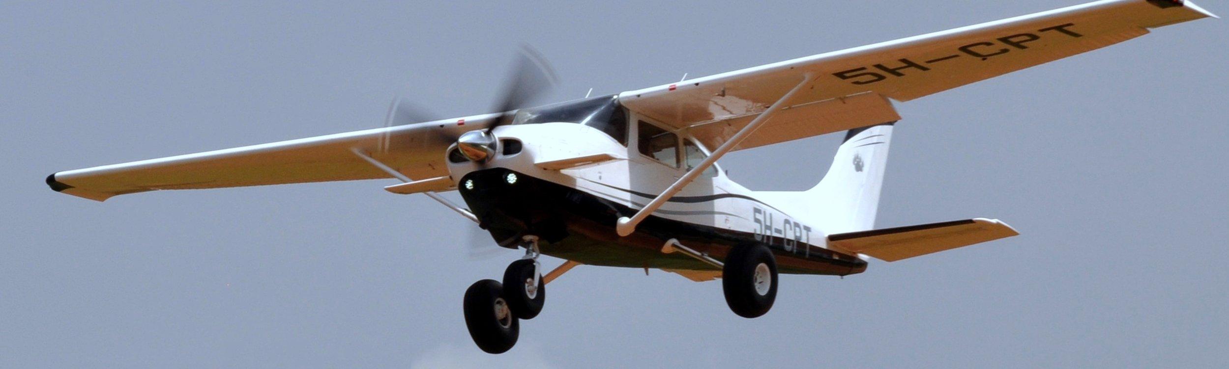 Cessna Skylane 182Q:  Überflug in der Regenzeit macht möglich, was mit Auto unmöglich wäre |  © RS