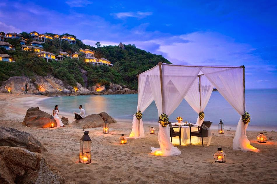 Romantic_Dinner_Beach_Lanterns_Canopy_f.jpg