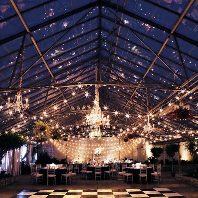 2016_bridescom-Editorial_Images-02-winter-wedding-details-large-30-Winter-Wedding-Ideas-from-Real-Weddings-Peter-Van-Beever.jpg