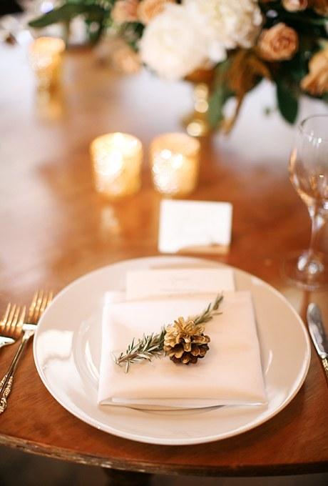 2016_bridescom-Editorial_Images-02-winter-wedding-details-large-16-Winter-Wedding-Ideas-from-Real-Weddings-Megan-W.jpg