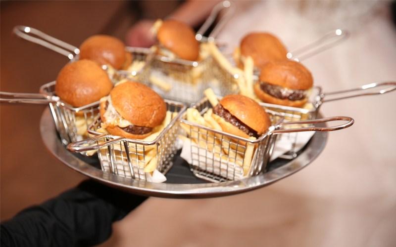 luxury wedding late night snacks