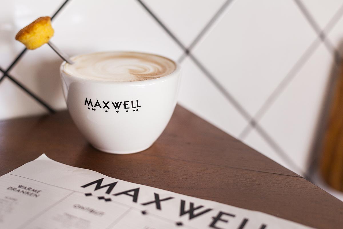 MAXWELL01.jpg