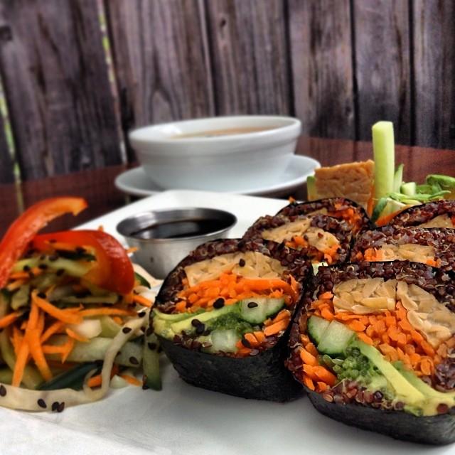 De passage à Montréal ? Ce resto vous fera oublier tous préjugés sur la nourriture végétalienne :-)