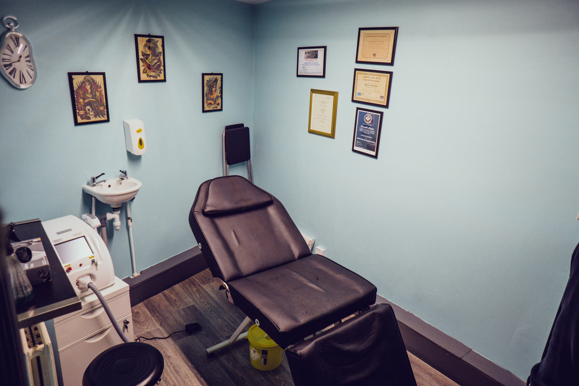 LASER TREATMENTS - Here at Panther Crew we offer a range of professional laser services, using modern equipment to remove unwanted tattoo's or rejuvenate your skin with Carbon Facial.get in touch here, or swing by to see what we can do for you.Panther Crew Team -