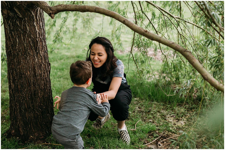 collingswood-new-jersey-motherhood-mini-photo-session_0021.jpg