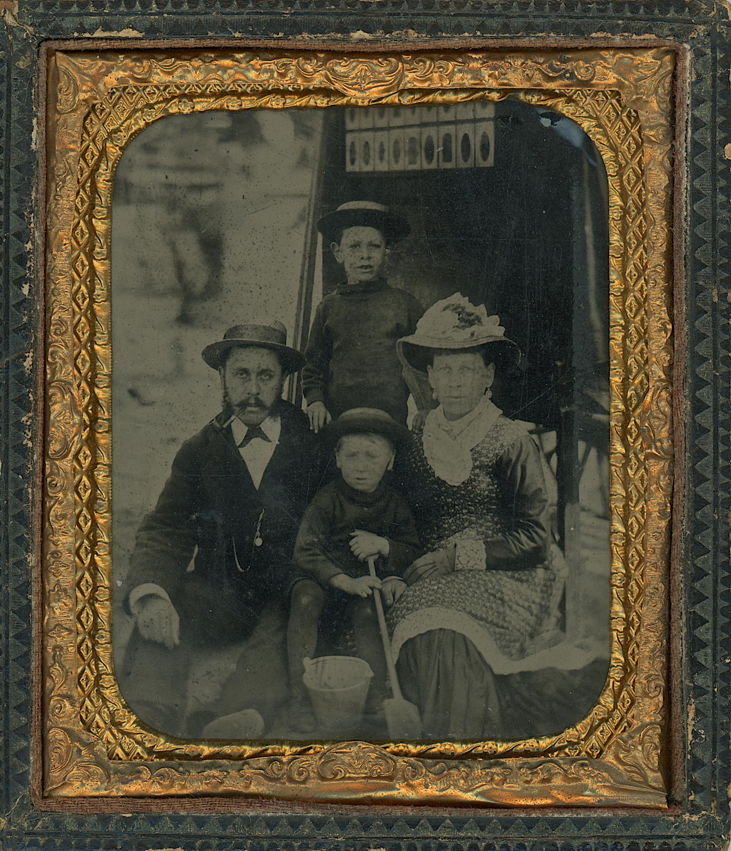 5_Family_&_Photocart_1T.jpg
