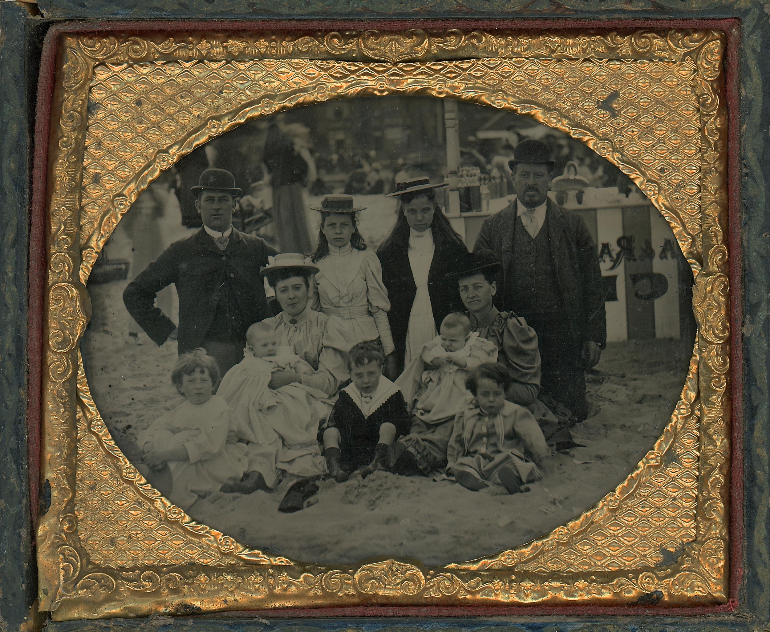 11_FamilyGroup_on_Sands_TextT.jpg