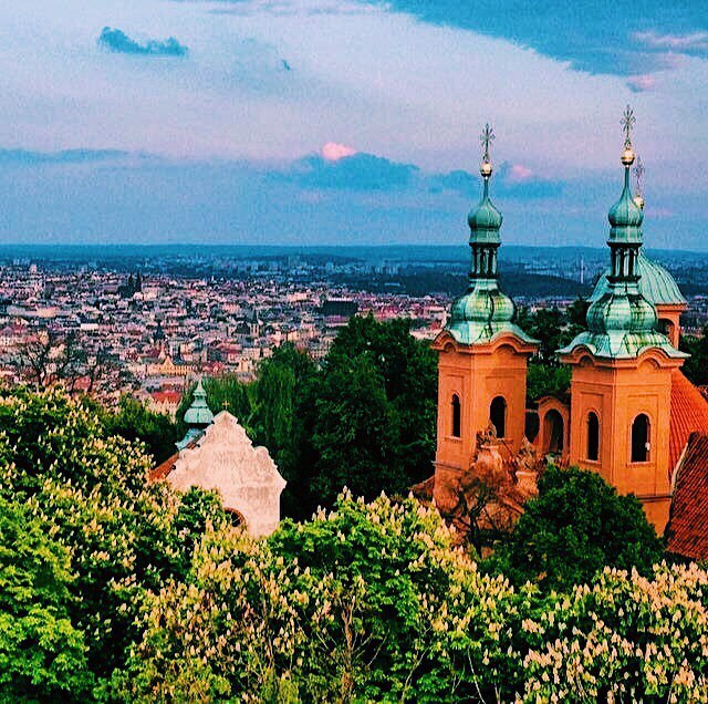 Don't disempower yourself by following the path of others - Follow your own. I'm learning to trust myself and trust my decisions, rather than the advise of others. Your wisdom & experience is so valuable. Don't ever lose it. 💫 // Throwback to an enchanting Easter weekend getaway. I snapped this photo from the top of an amazing viewpoint in Prague, Czech Republic.  Prague should definitely be on your travel list 🌏 . . . . . #travelisthenewclub #femaletravelbloggers #femaletravel #passionpassport #wanderlust #wonderlust #nomadnesstribe #thetravelwomen #myatlas #travellife #travelblog #instatravel #travelgram #blacktravelista #blacktraveljourney #melanintravel #blackgirlstraveltoo #blackgirlbloggers #browngirlbloggers #sheisnotlost #TheGlobeWanderer #workhardtravelwell #travelbae #praha #prague #eurotrip #exchangelife #czechrep #travelczech